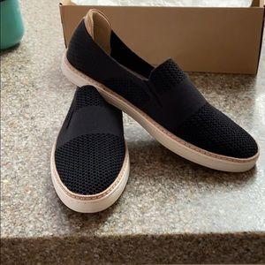 Brand new UGG Sammy Slip-on Sneaker